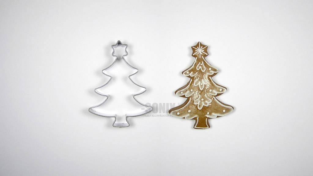 Tree with star cookie cutter