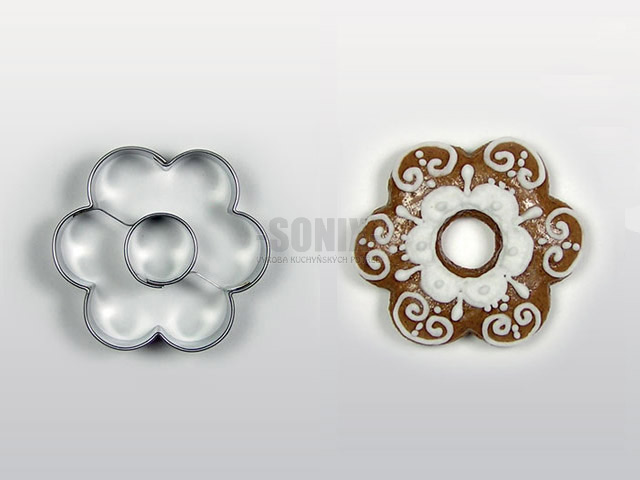 Flower with centre cookie cutter
