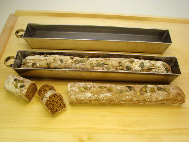 Form at fruitcake/pate mould
